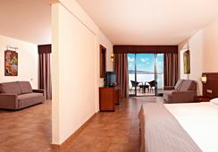 Sandos Papagayo Beach Resort - Playa Blanca - Kamar Tidur