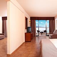 Sandos Papagayo Beach Resort Guestroom