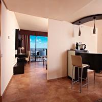 Sandos Papagayo Beach Resort In-Room Dining