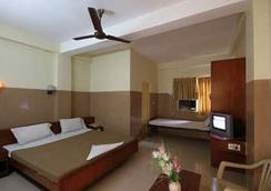 Hotel Melody - Chennai - Kamar Tidur
