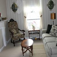 The Harney House Inn Living Room