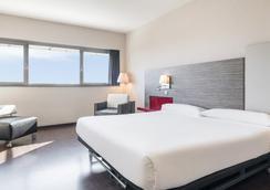 Hotel Ilunion Barcelona - Barcelona - Kamar Tidur
