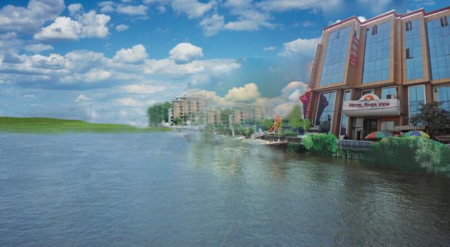 Hotel River View - New Delhi - Building