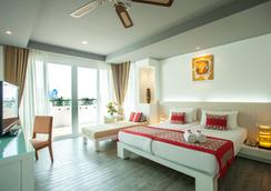 Aonang Cliff Beach Resort - Krabi - Kamar Tidur