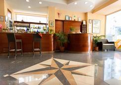 Hotel Ivonne Garnì - Rimini - Resepsionis