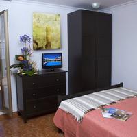 Hotel Adonis Capital Guestroom
