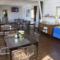 Hotel Adonis Capital Breakfast Area
