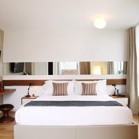 McCarren Hotel & Pool Guestroom