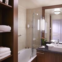 Citadines Saint-Germain-des-Prés Paris Bathroom
