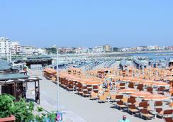Hotel Maria Serena - Rimini - Pantai