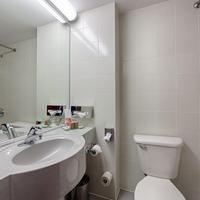 Ramada Bucharest Parc Bathroom