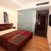 Ayre Gran Hotel Colon Guestroom