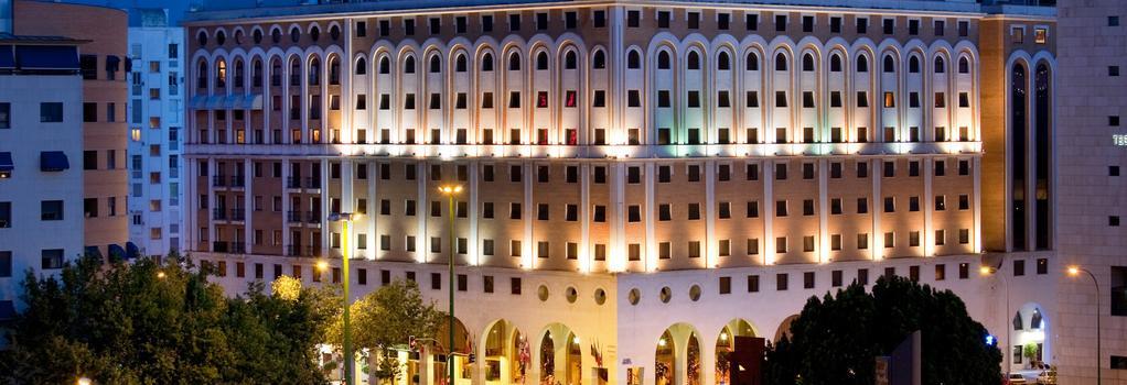 Ayre Hotel Sevilla - Sevilla - Building