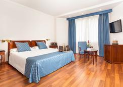 Ayre Hotel Astoria Palace Valencia - Valencia - Kamar Tidur