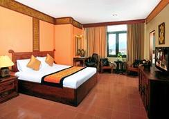 Pakse Hotel & Restaurant - Pakse - Kamar Tidur