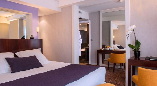 Hotel Ampere - Paris - Building
