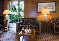 Hotel De La Porte Doree - Paris - Lobi