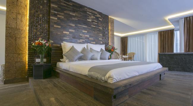 Angkor Elysium Suite - Siem Reap - Bedroom