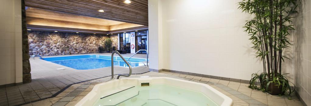 Thompson Hotel - Kamloops - Pool