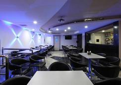 Hotel Pratap Plaza - Chennai - Bar