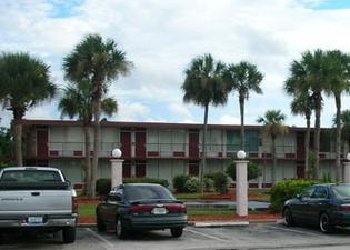 Intown Suites-Orlando North
