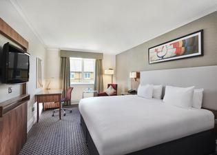 DoubleTree by Hilton Bristol North Hotel