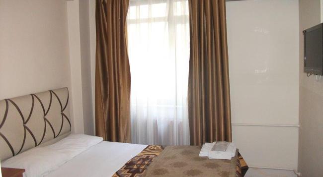 Istanbul Paris Hotel & Hostel - Istanbul - Bedroom