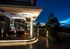Fm7 Resort Hotel Jakarta - Kota Tangerang - Bar