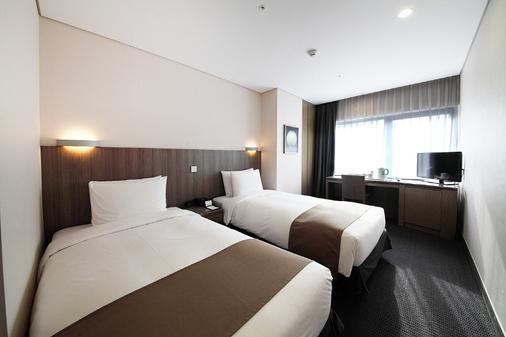 Center Mark Hotel - Seoul - Kamar Tidur