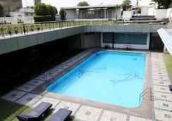 Dee Marks Hotel & Resorts - New Delhi - Kolam