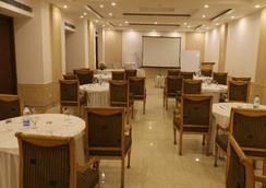 Dee Marks Hotel & Resorts - New Delhi - Restoran