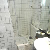 Hotel Alexander Plaza Bathroom