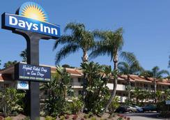 Days Inn San Diego Hotel Circle Near Seaworld - San Diego - Bangunan