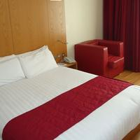 Ramada Encore Bournemouth Guest room