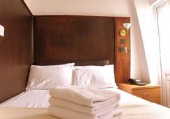Plaza London Hotel - London - Kamar Tidur
