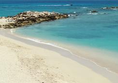 Simpson Bay Resort & Marina - Simpson Bay - Pantai