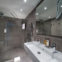 Wyndham Stuttgart Airport Messe Bathroom