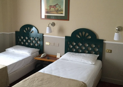 Colony Hotel - Roma - Kamar Tidur