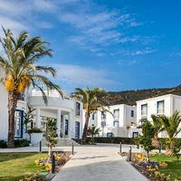 Vera Miramar Resort Property Grounds