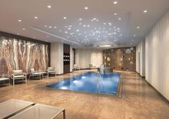 The Ritz-Carlton, Berlin - Berlin - Kolam