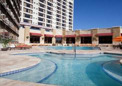 Ramada Plaza Resort and Suites Orlando Internation - Orlando - Kolam