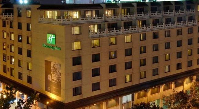 Holiday Inn Montreal Centreville Downtown - Montreal - Building