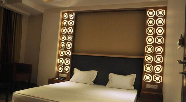 Hotel B And B - Ranchi - Bedroom