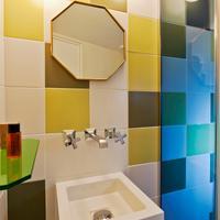 Hotel Crayon Bathroom