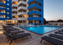 Ibiza Heaven Apartments - Sant Jordi de ses Salines - Kolam
