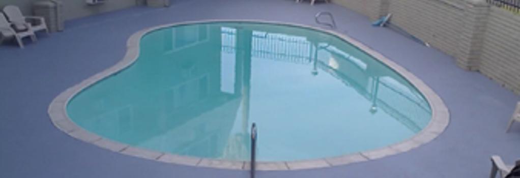 Econostudios - Stockton - Pool
