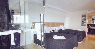 Hotel Sercotel Suites Del Mar - Alicante - Kamar Tidur