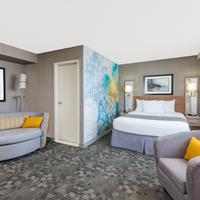 Days Inn Niagara at the Falls 1 King Bed Suite