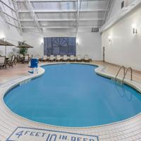 Days Inn Niagara at the Falls Pool