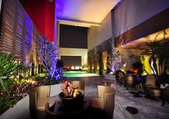 Grand Howard Hotel - Bangkok - Kolam